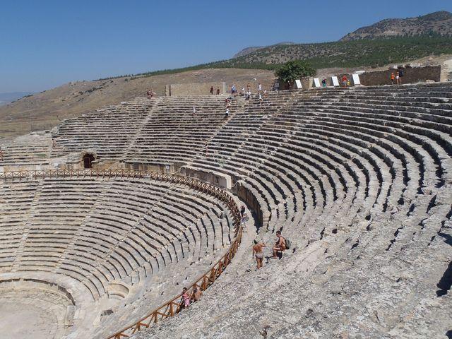 古代ローマ遺跡!ヒエラポリス