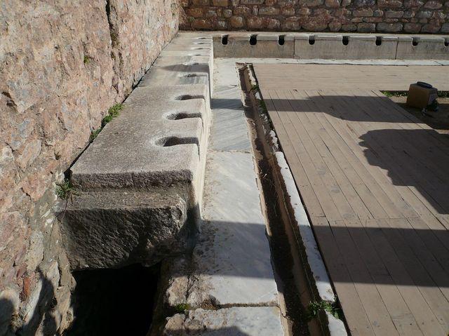 エフェス遺跡「公衆トイレ後」