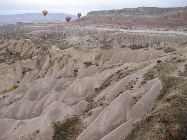 空から眺める奇岩もまた素晴らしい