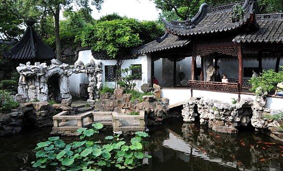江南古典庭園の名園と称される「豫園」