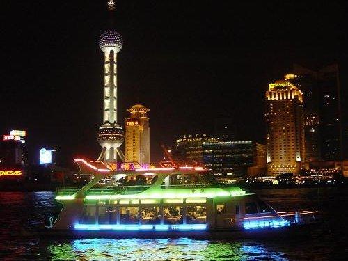 上海の100万ドルの夜景は見逃せない!!
