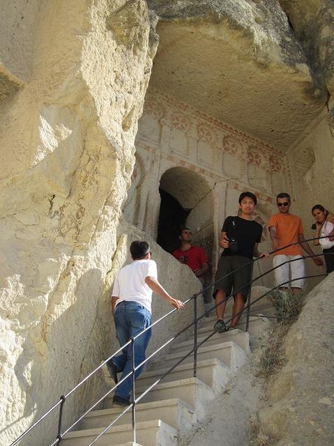 洞窟の教会入り口