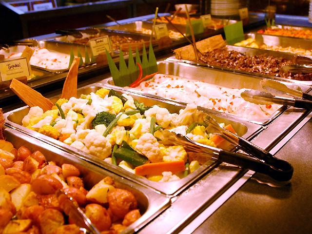 地域の食材をふんだんに使った料理の数々