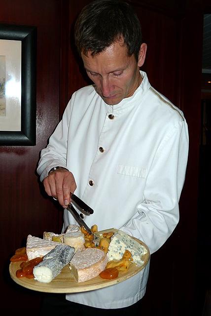 チーズも美味 ©MIKI FRANCE