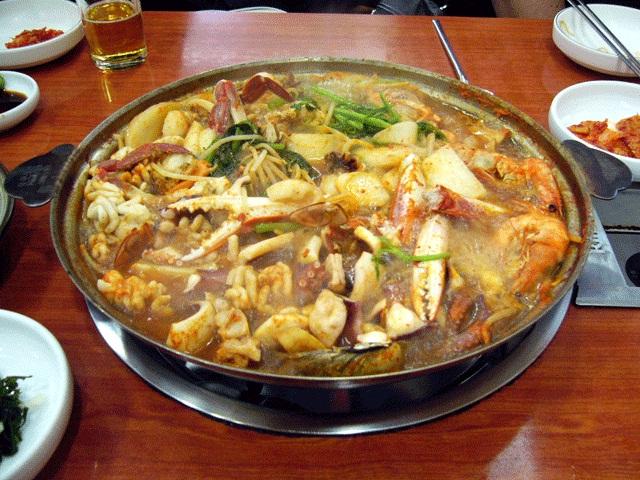 食事-ヘムルタン(海鮮鍋)