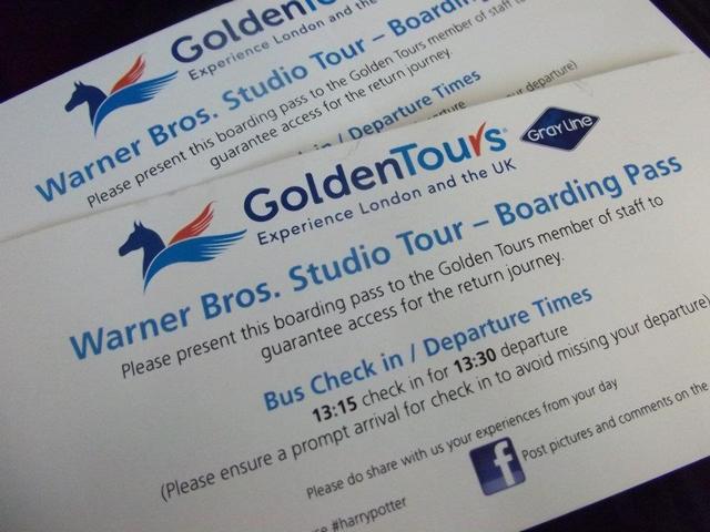 バスの中で帰りのバスチケットわたされます