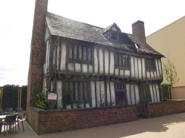POTTERS Cottage
