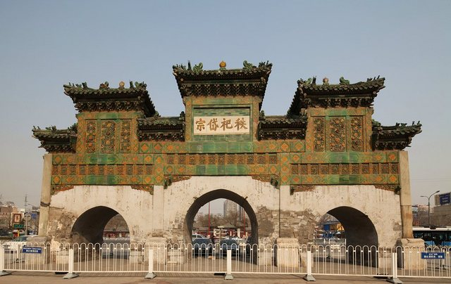 東岳廟の牌楼