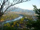 ルアンパバーン市内観光とクワンシーの滝
