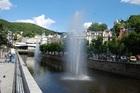 モーゼルガラス工場と温泉地カルロヴィ・ヴァリへ、プラハ発着の日本語ガイド観光