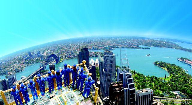 シドニータワーでスカイウォーク