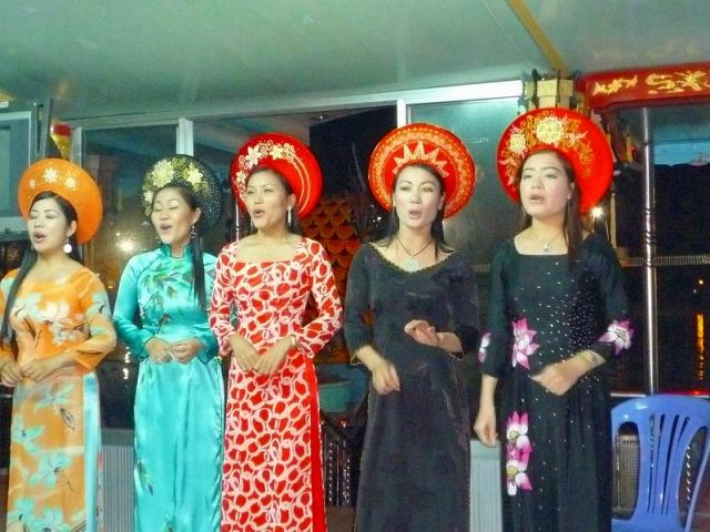 ナイトフエ~宮廷料理&伝統音楽~
