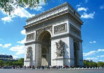 ユーロスター利用 パリ日帰りツアー オープントップバス観光、地下鉄無料券付き(ロンドン発着)