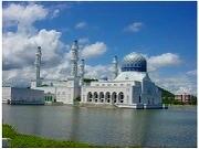 ヤヤサンサバ、市立モスク、中華寺院、展望台、州立モスクなど市内人気観光スポットを訪れる!!コタキナバル市内観光(食事なし)