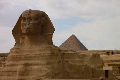 ピラミッドとスフィンクス半日観光