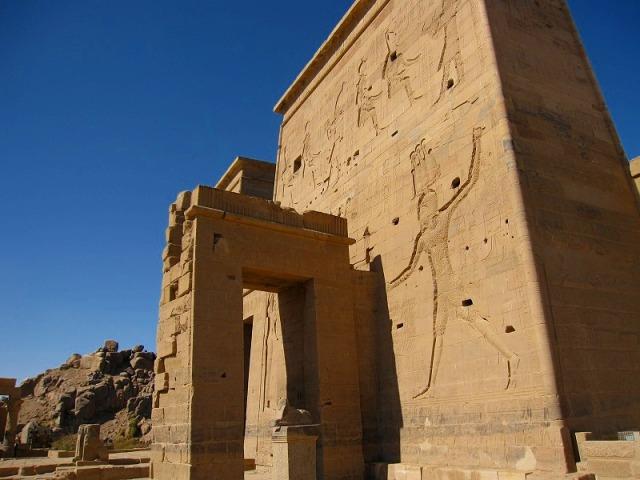 HOT HOLIDAYHOT HOLIDAY半日で訪れる!イシス神殿 (フィラエ神殿)