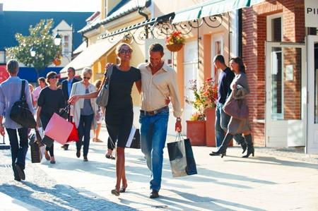フランス最大のアウトレットショッピングセンターを訪れる!!ラ・ヴァレ・ヴィレッジ(ラ・ヴァレ ヴィラージュ) アウトレット・ショッピング
