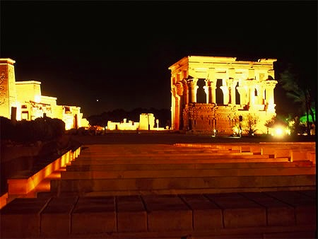 音と光のショウ-イシス神殿(英語アシスタント)
