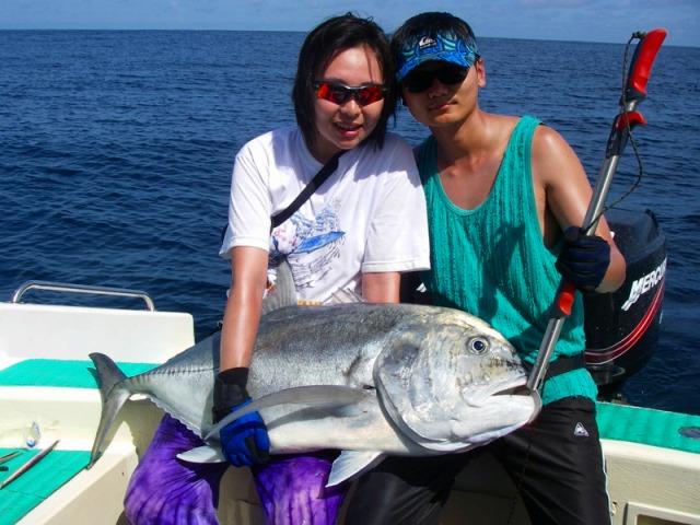 バリ島で釣り ボートチャーターでトローリング!