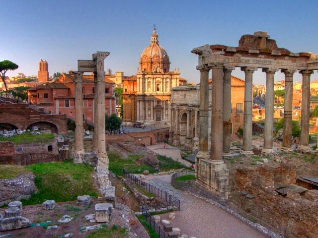 少人数で行く古代ローマ半日ウォーキングツアー