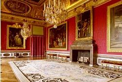 ベルサイユ宮殿半日ツアー (午前/午後)