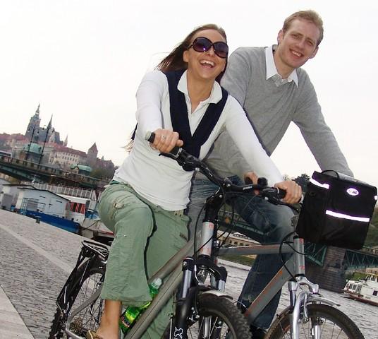 地球に優しい観光を!現地ガイドと自転車で巡るプラハ市内観光!