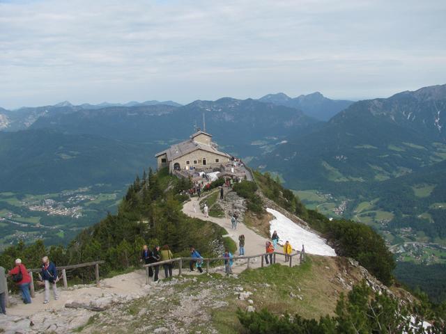 ヒトラーの山荘--ケールシュタインハウス(イーグルネスト)半日観光ツアー【5月中旬~10月の催行】