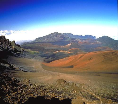 ハレアカラ火山とイアオ渓谷、マウイ島観光【マウイ島】