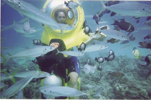 BOB水中スクーター ハワイの海でダイビング