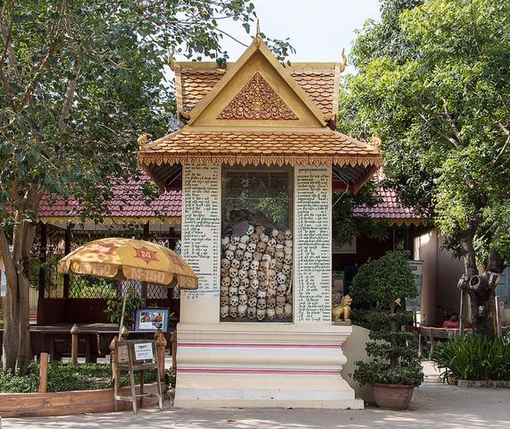 シェムリアップでカンボジアの平和を学ぼう!! キリンフィールドなど観光名所めぐり