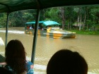 湖の中ではボートに変身!浮いているのが不思議な気分