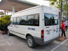 ハロン湾ツアーで使われるバスの一例