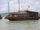 ハロン湾クルーズをする船の一例