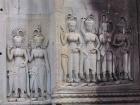 アンコールワット遺跡内に3000もの女性の壁画