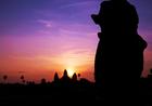 グラデーションカラーに染まるカンボジアの空