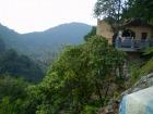 途中休憩中、遠くに見える壮大な景色に自然の大きさを感じさせられます!