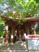 タイ寺の251段の石段の先には多くの寺院があります。