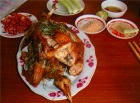 ご昼食はドゥンラム名物の鳥料理です。