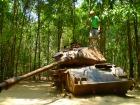 ベトナム戦争当時の戦車が残されています