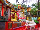 中国らしいカラフルな寺院