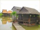 カンボジア式の水上家屋