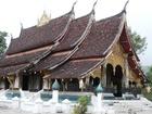 美しいシルエットの「ルアンパバーン」建築のお寺