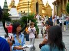 黄金に輝くエメラルド寺院にて