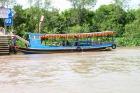 エンジンボートに乗り換えメコン川クルーズ