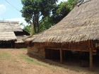 モン族の家
