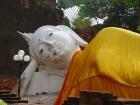 ワット・ヤイ・チャイ・モンコンの涅槃仏(寝仏)