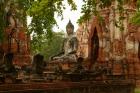 境内にひっそりと佇む仏像