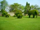 バーンパイン宮殿の庭園