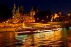 美しいセーヌ川の夜景