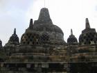 石造遺跡群で、世界遺産でもあるボロブドゥール寺院
